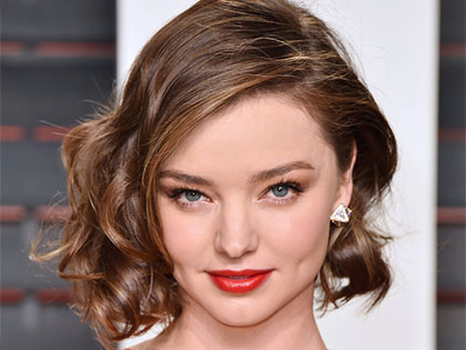 Say Goodbye to Round Faces! 7 Magical Hairstyles Will Make You Look Slimmer