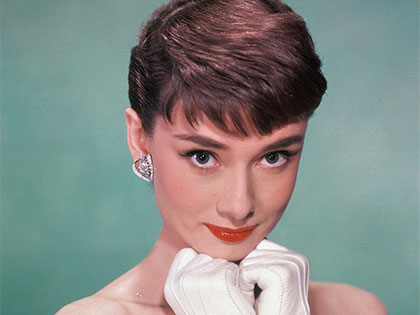 Yep, You Can Be A Vintage Icon By Learning 7 Lip Makeup Tricks