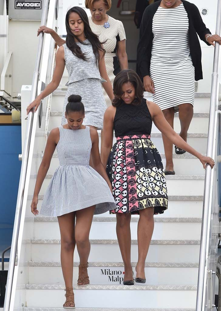 15-photos-show-the-stunning-transformation-of-the-obama-sisters_14