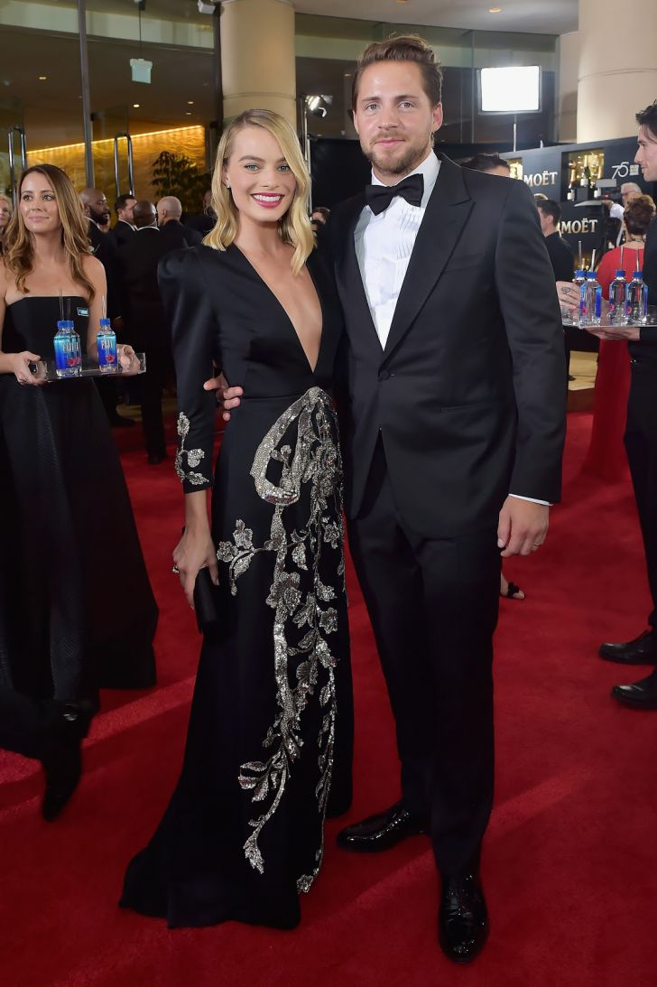 20 Stunning Couples Looks At The Golden Globes Of All Time_11