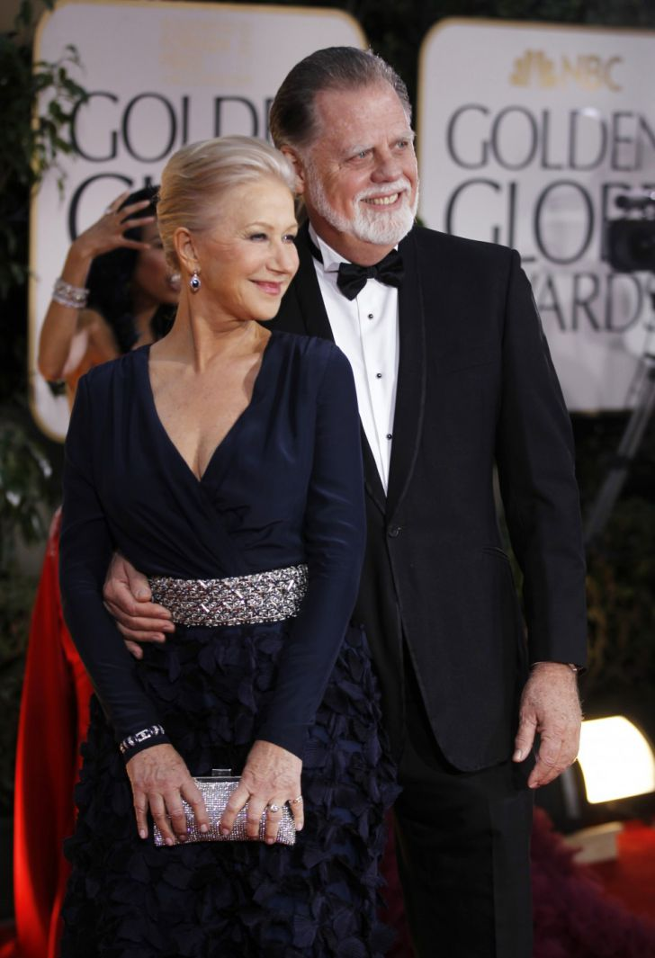 20 Stunning Couples Looks At The Golden Globes Of All Time_18