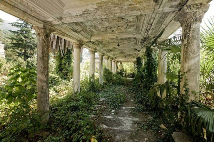 23-creepy-abandoned-places-in-the-world_14