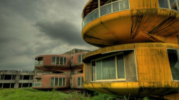 23-creepy-abandoned-places-in-the-world_23
