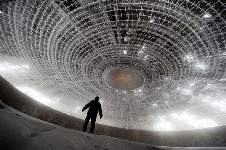 23-creepy-abandoned-places-in-the-world_7