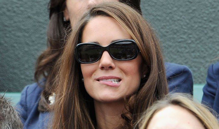 23 Hilarious Photos That Prove Kate Middleton Is Just Like Us_16