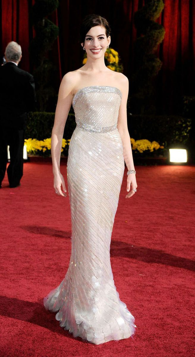 30-best-oscar-dresses-of-all-time_24
