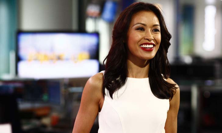30-sexiest-female-news-anchors-from-around-the-world_19