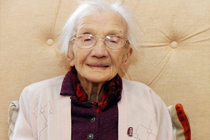 after-72-years-in-the-same-house-a-96-year-old-woman-is-ready-to-reveal-a-piece-of-history_3