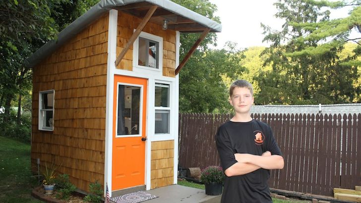 at-the-age-of-13-he-built-a-house-that-surprised-everyone-with-only-1500_14