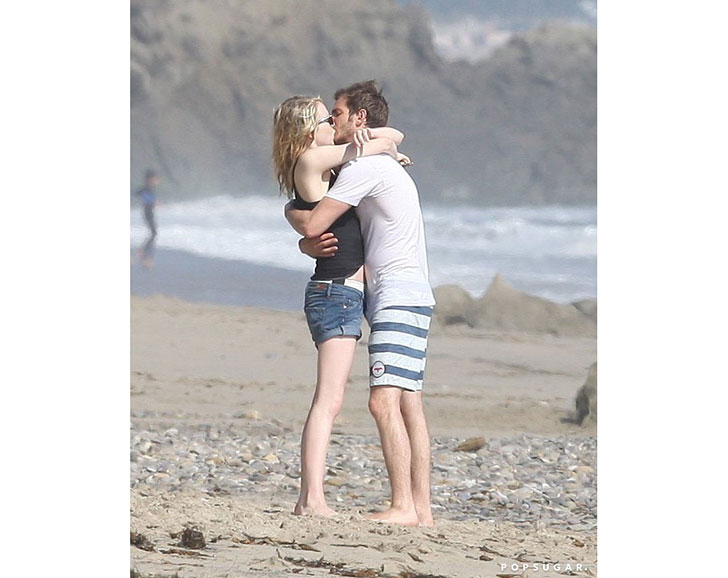 emma-stone-dating-someone-new-but-did-she-really-get-over-andrew_11