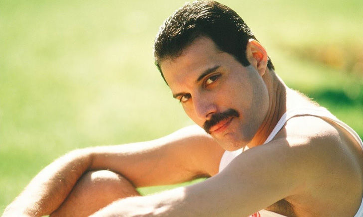 here-is-everything-you-want-to-know-about-freddie-mercury-queens-legend_1