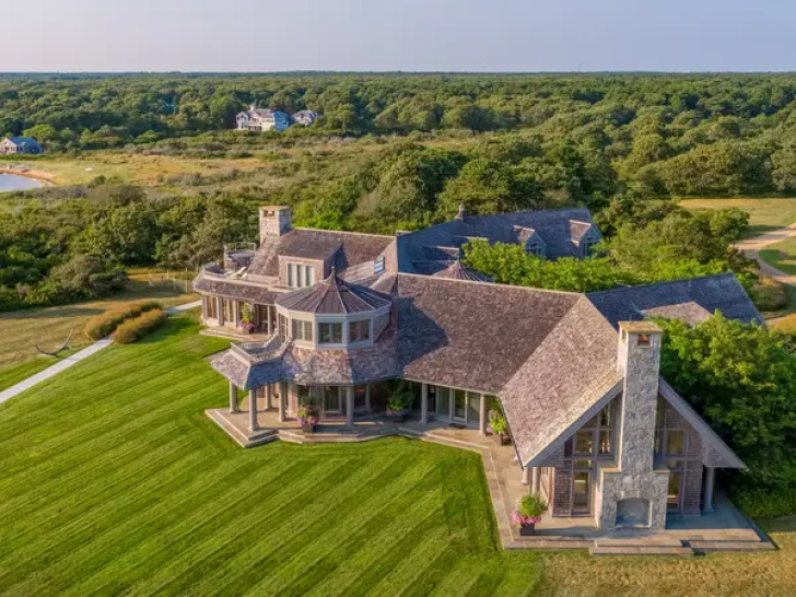 Inside The Obamas' $11.75 Million New Home_19