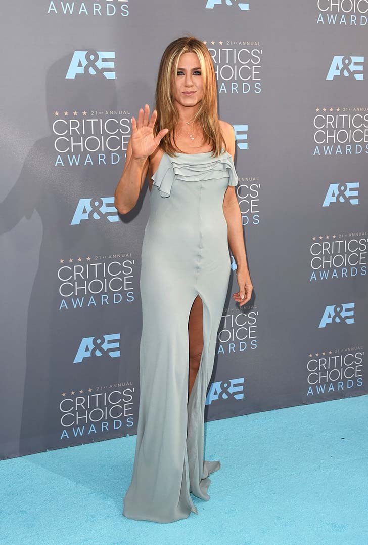 jennifer-aniston-style-15-of-her-best-fuss-free-fashion-looks_14