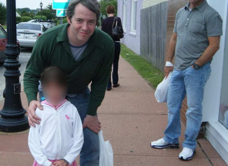 Kid Took A Photo With Matthew Broderick, Then Mom Gasped In Shock_8