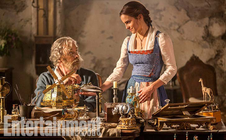 new-film-photos-remind-us-why-emma-watson-is-the-perfect-belle_5