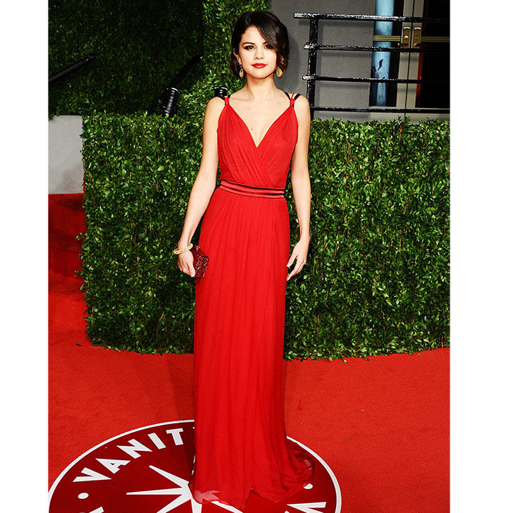 selena-gomez-style-evolution-from-disney-star-to-fashion-queen_10
