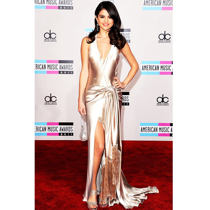 selena-gomez-style-evolution-from-disney-star-to-fashion-queen_12