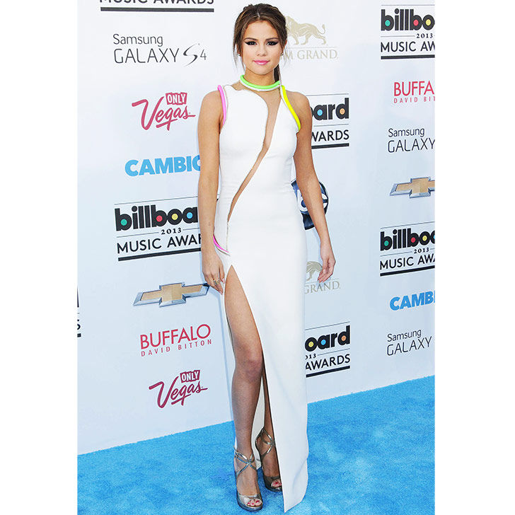 selena-gomez-style-evolution-from-disney-star-to-fashion-queen_15