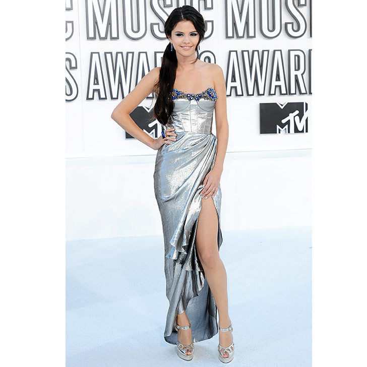 selena-gomez-style-evolution-from-disney-star-to-fashion-queen_9
