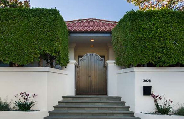 take-a-peek-at-mila-kunis-los-angeles-mansion_1