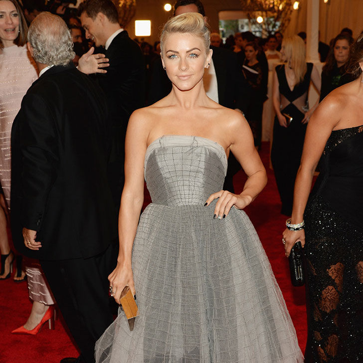 the-amazing-style-evolution-of-julianne-hough_12