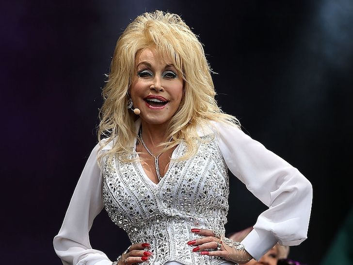 the-stunning-transformation-of-dolly-parton-over-50-years_13