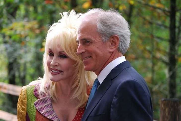 the-stunning-transformation-of-dolly-parton-over-50-years_14