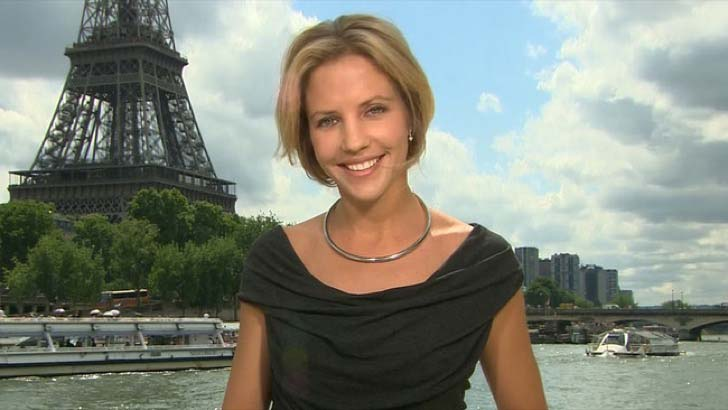 these-65-news-anchors-who-will-make-your-jaw-drop_43