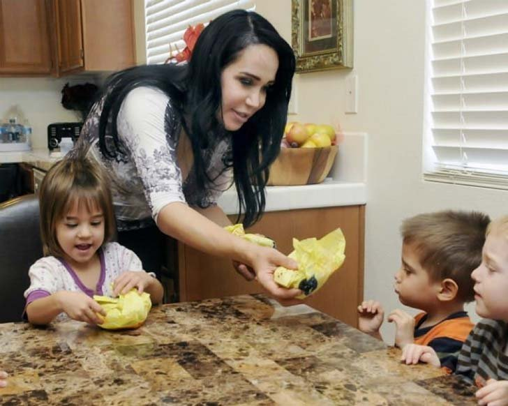 what-has-octomom-gone-through-to-raise-14-children_15