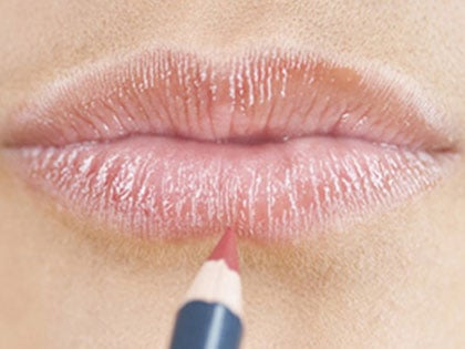 8 Makeup Tricks That Make You Look 10 Years Younger
