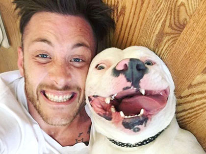 Guy Posted Selfie With His Smiling Rescue Dog And Police Showed Up