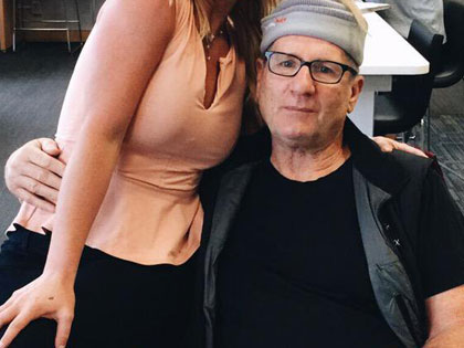 Modern Family Star Posed With A Fan And The Picture Went Viral