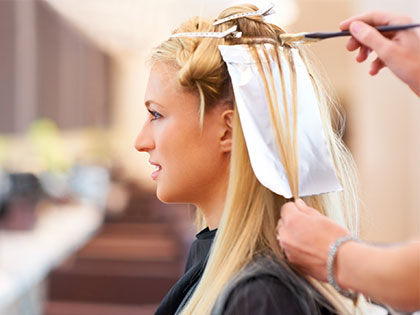 Salon's Secret: 7 Tricks From Top Hairdressers To Avoid A Bleach Disaster