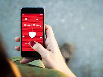 Tired of Tinder? 6 Dating App Alternatives for a Change of Scene